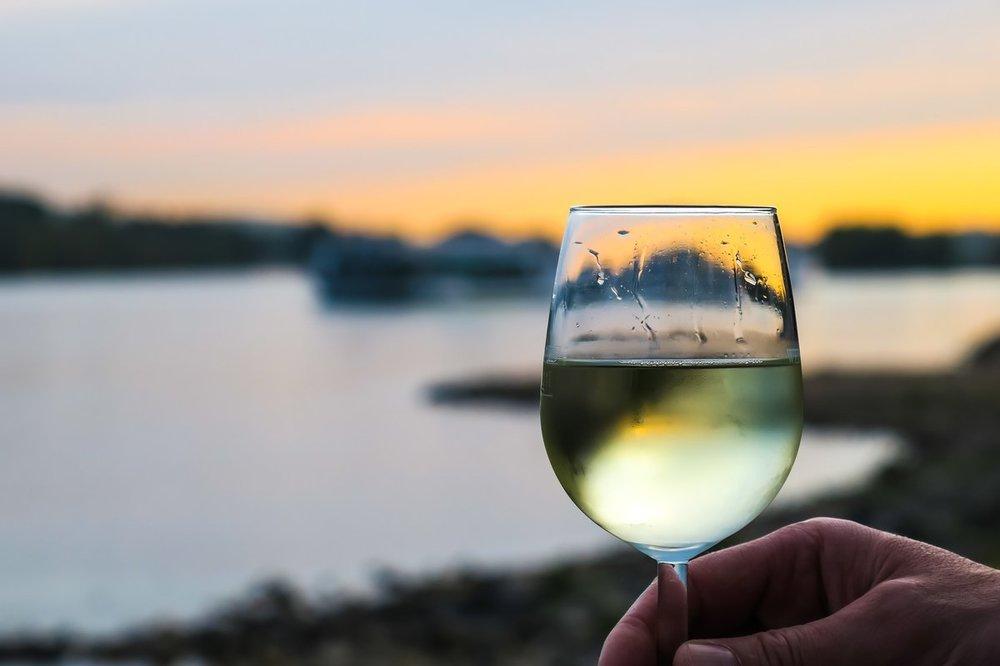 Wina białe – z jakich krajów warto kupić